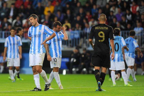Los jugadores del Málaga quedaron desconsolados por la goleada.