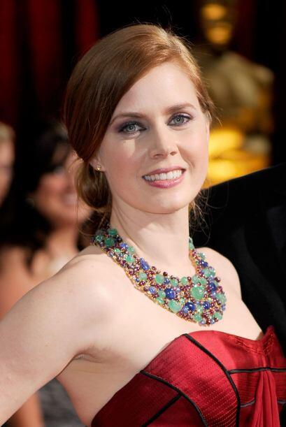 La joyería es parte escencial en el arreglo de Amy y lo que más se comen...
