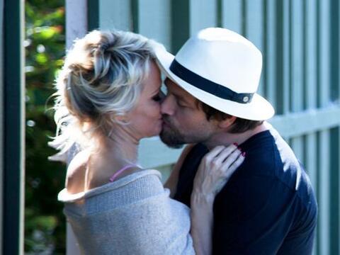 Pamela Anderson y Rick Salomon se dan una segunda oportunidad.Mira aqu&i...