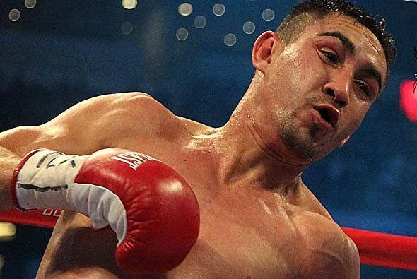 Humberto Soto regresó a la cima del boxeo al conquistar su tercer...