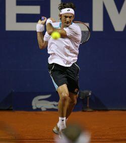 El español Juan Carlos Ferrero no estaba del todo concentrado en la bata...