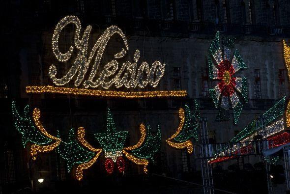 Las calles de México se iluminaron para celebrar su Independencia.