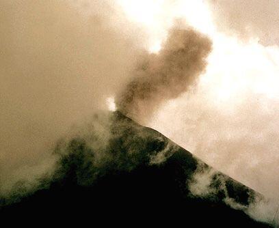 Manto negro. El jueves 27 de mayo el volcán Pacaya entró e...