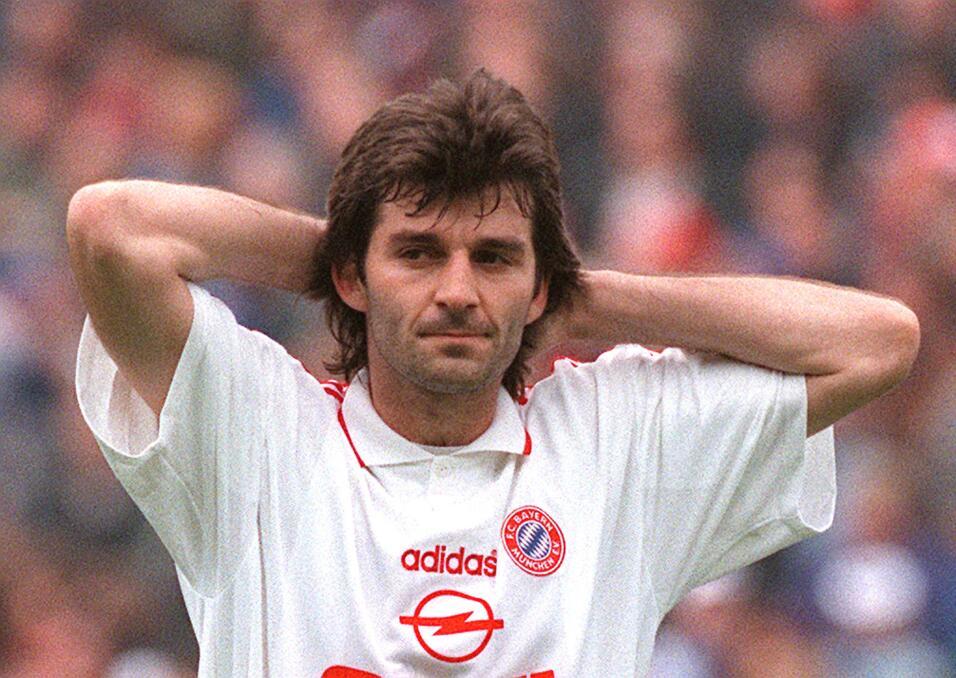 Emil Kostadinov (Bulgaria) jugó en equipos de renombre de Europa como F....