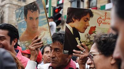 Miles se despiden de Juan Gabriel en la Ciudad de México