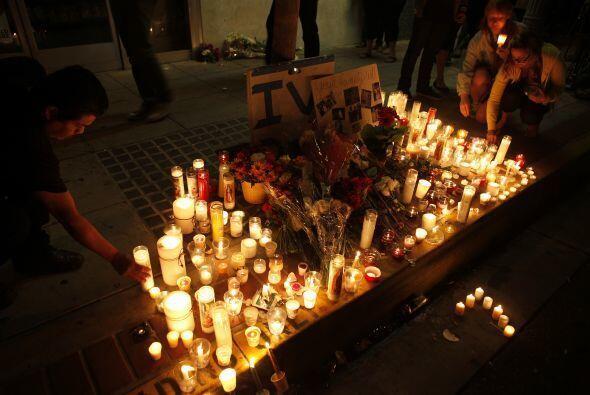 Con las velas formaron una corazón.