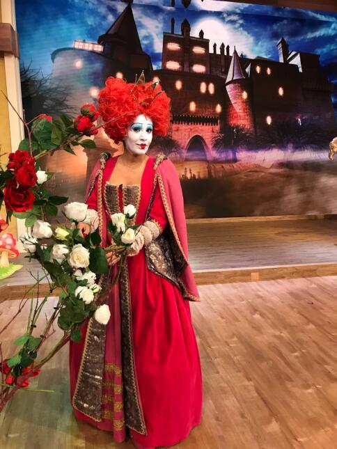 Halloween 2017: Anita en el país de las maravillas