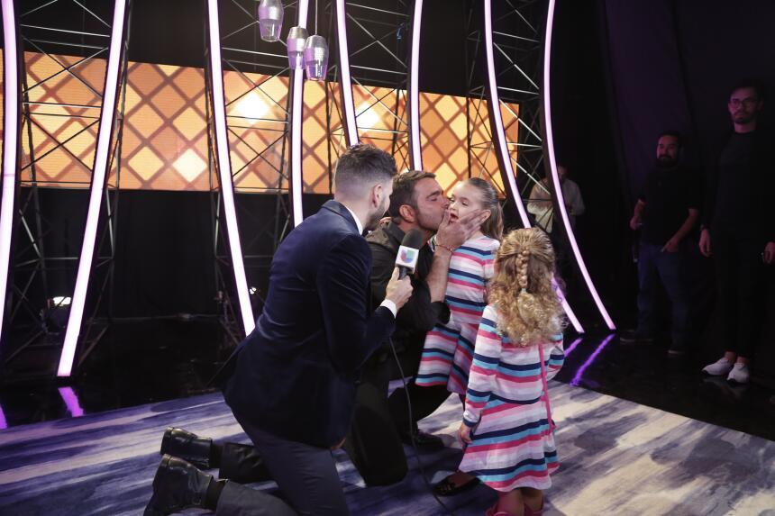 Las hijas de Pablo Montero lo acompañaron en el estreno de Mira Quién Ba...
