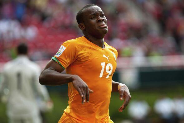 Parece que el goleador de Costa de Marfil está enojado por meter...
