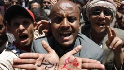 Las violentas manifestaciones en Yemen dejó al menos dos personas muertas.