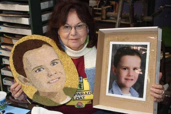 Cada retrato en la carroza representa a un donante, quienes sin límites...