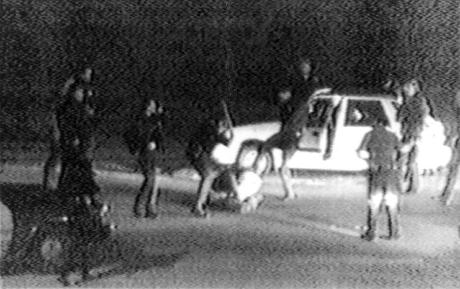 Imagen tomada del video de la golpiza que patrulleros le propinaron al a...