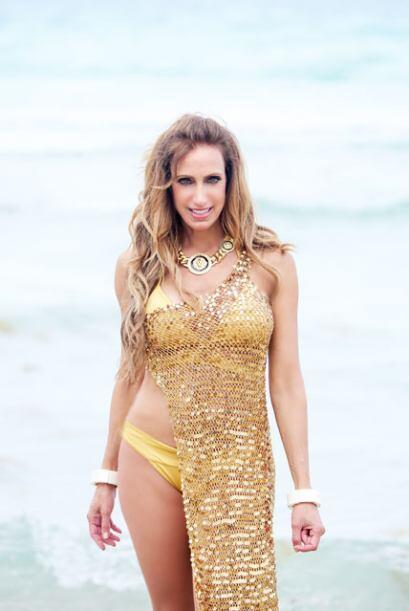 Por último, Lili también presumió un bikini amarillo, para resaltar el t...