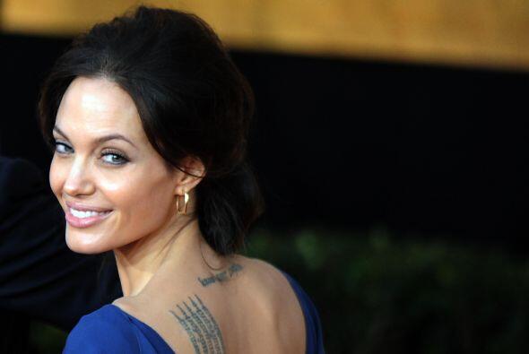 No por tener seis hijos en casa ha limitado a Angelina Jolie a perseguir...