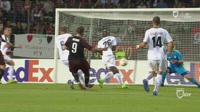 ¡Finalmente cayó el goool de Milan! ¡Gol de Gonzalo Higuaín!