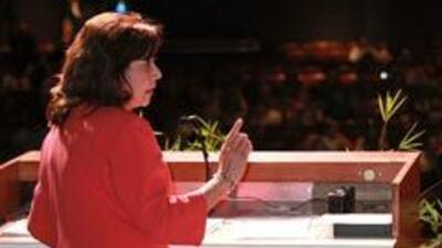 """Hilda Solís insta a los hispanos a dedicarse a trabajos """"verdes"""" 4987529..."""