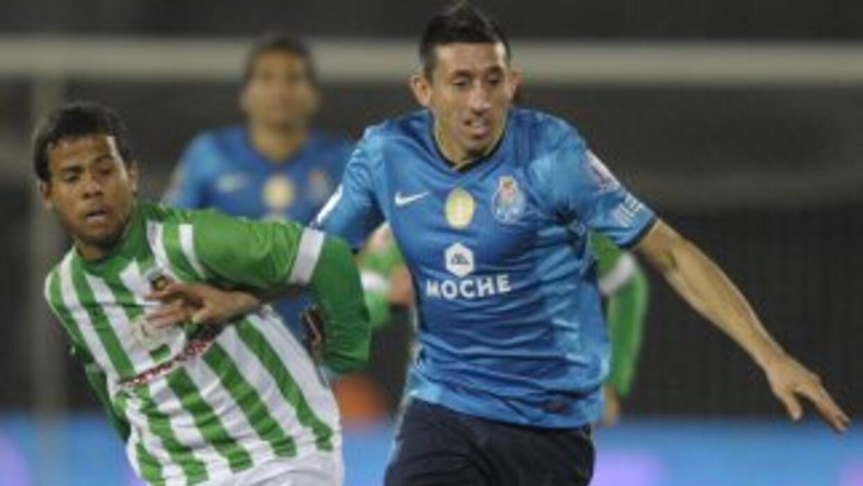 Héctor Herrera entró de cambio para jugar 15 minutos ante Rio Ave.