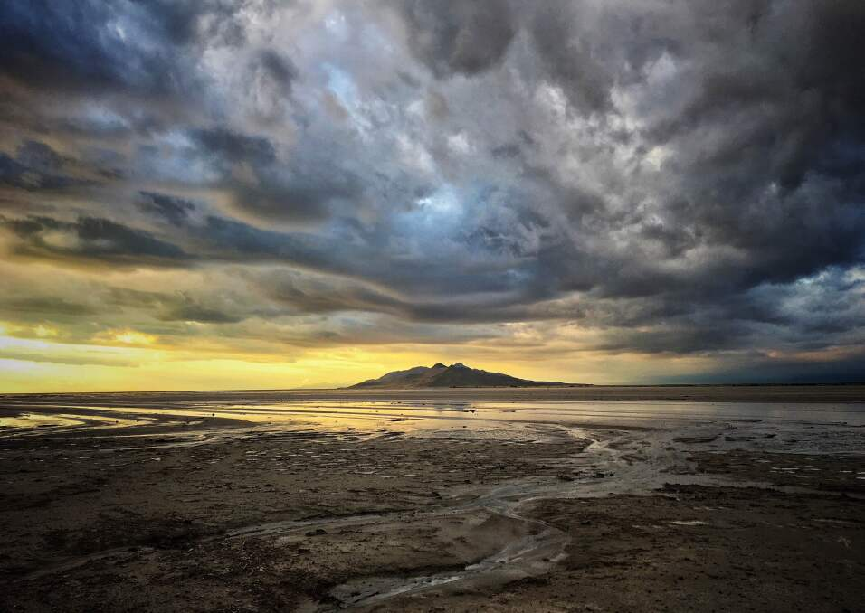 'Tormenta sobre el Gran Lago Salado'. Fotografía tomada en Utah, a las a...