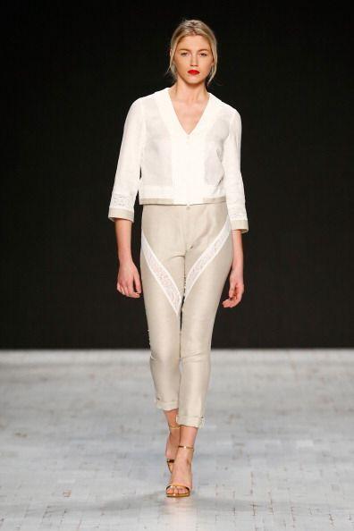 Los pantalones de talle alto son sumamente elegantes e ideales para las...