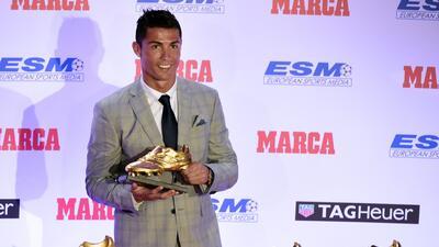 Cristiano Ronaldo presume su bota de oro