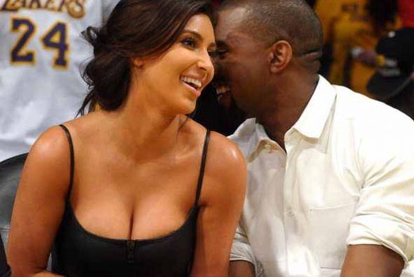 El mismo año, Kanye West reaparece en la vida de Kim.  La relación de am...
