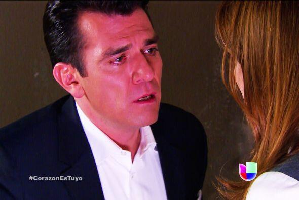 Bueno... al parecer no sólo serán palabras. Fernando se puso muy romántico.