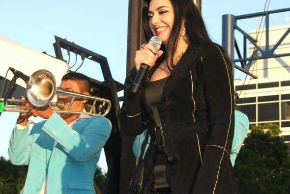 Con su carisma y belleza, Graciela Beltrán le puso el toque regional mex...