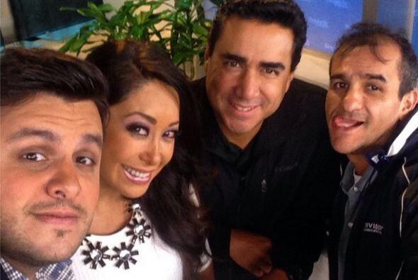 """""""La banda de @despiertaamericatv Mexico"""", compartió Paul. (Octubre 1, 2014)"""