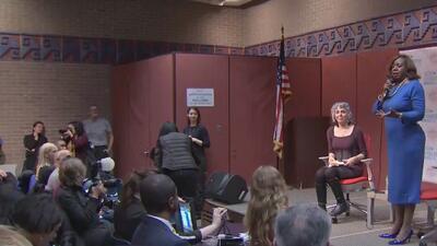 Candidatos a la Alcaldía de Chicago discuten sus propuestas sobre el transporte público en la ciudad