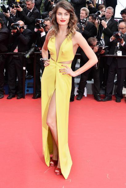 Isabeli Fontana fue otra supermodelos que invadió los Cannes. ¡Wow con s...