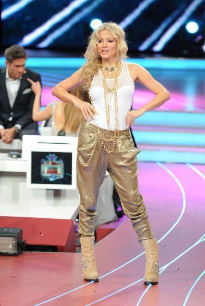 La hermosa cantante colombiana les da magníficos consejos a los competid...
