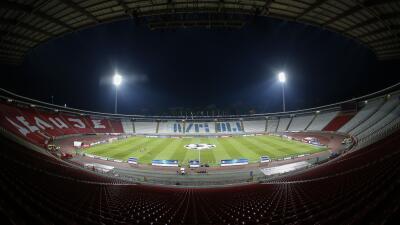 UEFA reduce sanción a Estrella Roja y podrá jugar ante su afición contra Nápoles