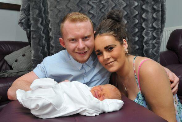 La  joven embarazada comenzó a entrar en labor de parto pero ninguno de...