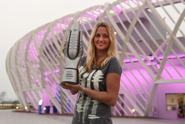 La canadiense de 20 años y top-ten del circuito WTA, ha firmado un contr...