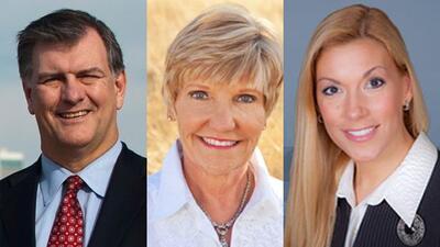 Mike Rawlings en Dallas, Betsy Price en Fort Worth y Beth Van Duyne en I...