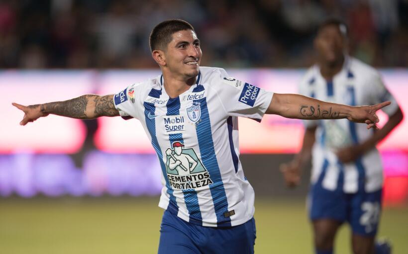 De la mano de Eduardo Vargas, Tigres derrotó a Lobos BUAP Victor Guzmán.jpg