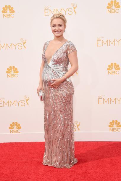 Hayden Pannetiere una de las mamitas más dulces de la alfombra.