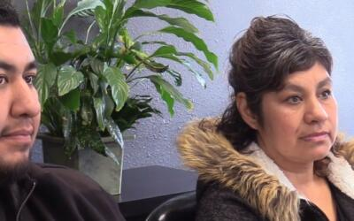 Martha Lozano, aquí junto a su hijo Jonathan, ha vencido el c&aac...