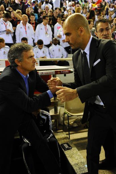 Una vez más se vio el caballerosismo de José Mourinho y Josep Guardiola,...