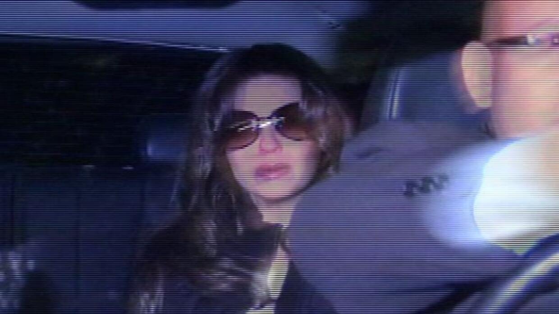 Thalía arribó al funeral de su madre.
