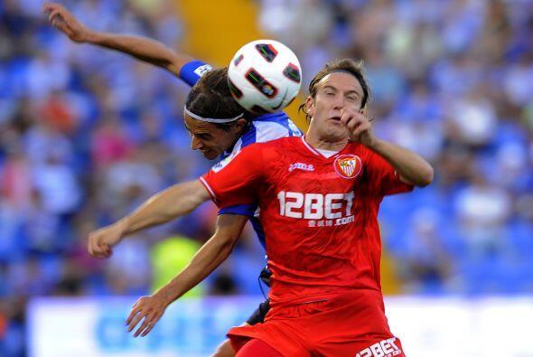 El Sevilla luchaba pero la zaga local tuvo un trabajo destacado.
