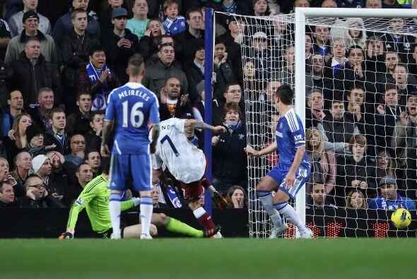 Cuando el Chelsea merecía ponerse en ventaja, Aston Villa se puso...