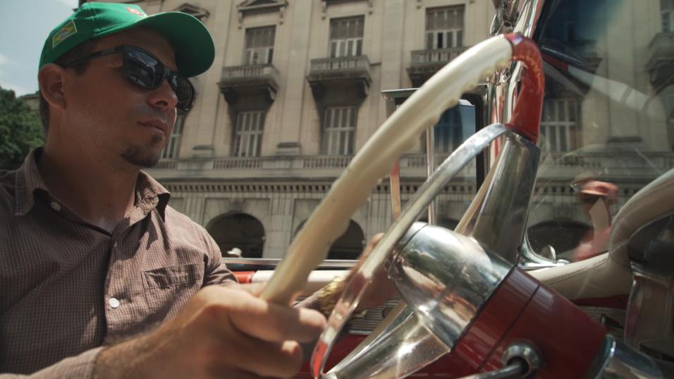El chofer Rusbelt Quignon, de 37 años, espera que lleven más turistas pa...