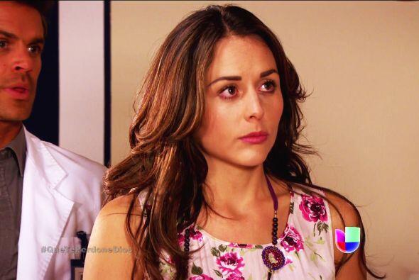 No te dejes Abigail, tu madrina Renata tiene todo el derecho de operarse.