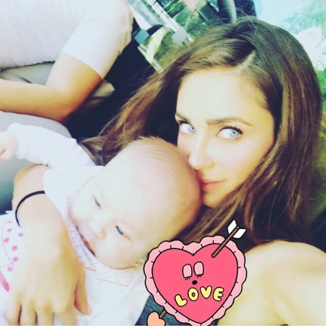 Los 15 momentos más tiernos de Anahí junto a su bebé