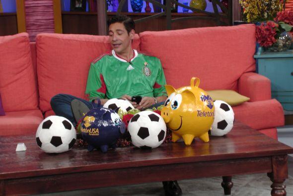 El fútbol fue el tema del día pues en unas horas más México se enfrentar...