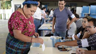Morales y Torres se juegan la segunda vuelta en Guatemala