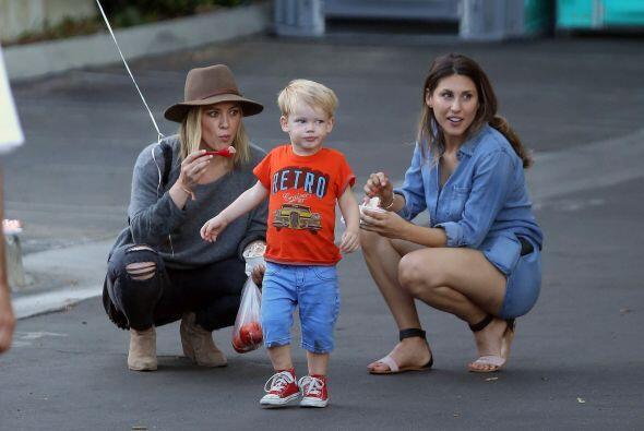 El pequeño Luca, hijo de la actriz Hilary Duff, no se queda atrás. Ya de...