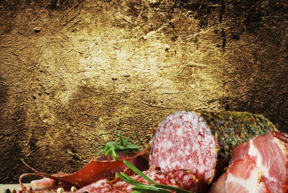También evita por completo las carnes frías como jamón y salchicha, por...