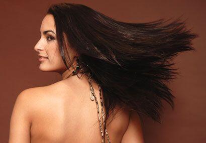 Esta bella cubana quiere seguir encantándote con su belleza...
